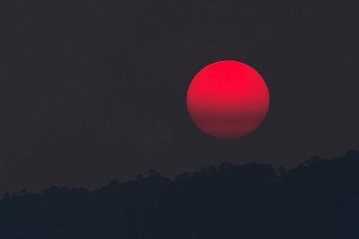 Agrandar el sol y la luna